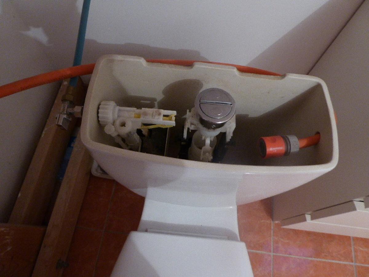notre installation pour r cup rer l 39 eau du bain des. Black Bedroom Furniture Sets. Home Design Ideas